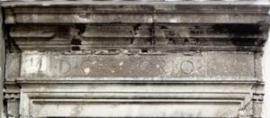 Architrave del portale d'ingresso